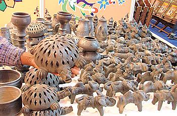 Handicrafts Tourism The Globetrotter S Footprints